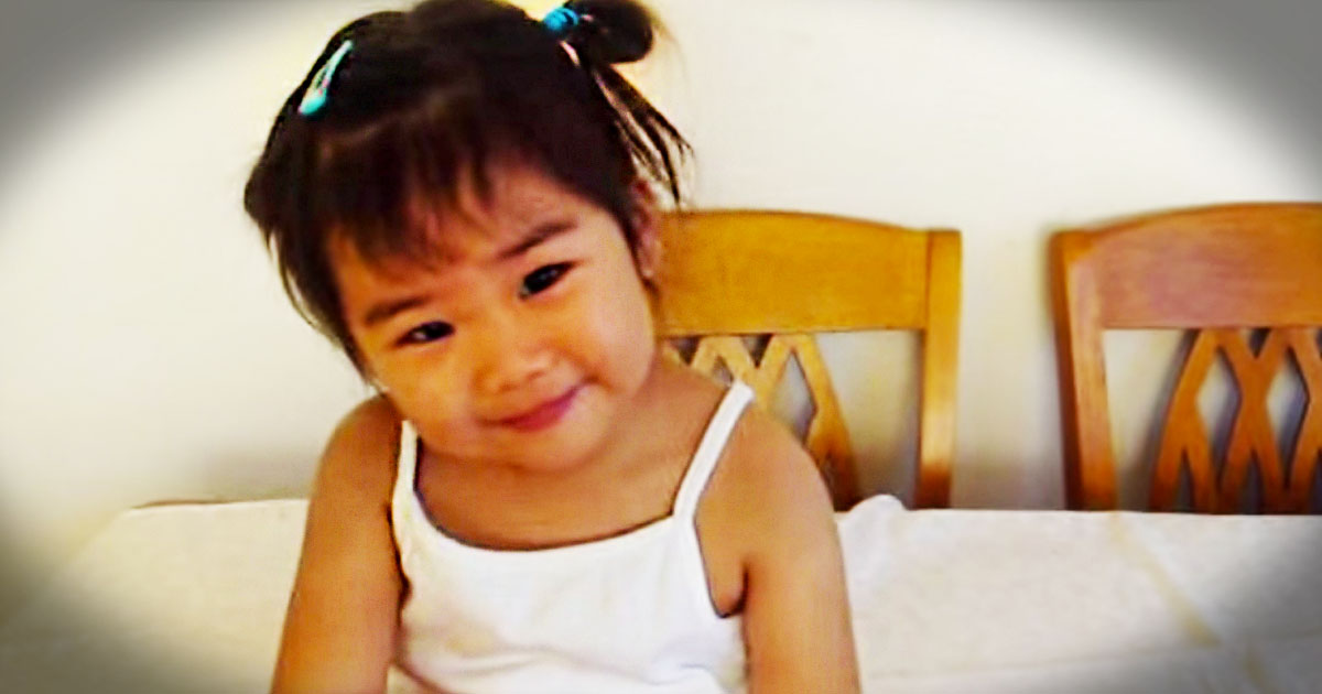 Now Here's a 2-Year-Old Who Knows How To Praise God! At 1:05, She Had Me Yellin' AMEN!