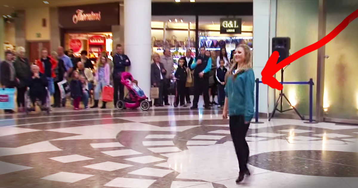 This Girl Started Dancing Alone In An Airport But What Happened Next Is Too Incredible For Words-5896