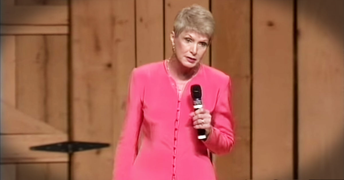 Jeanne Robertson's Story About Her Daddy On An Elevator Had Me ROTFL!