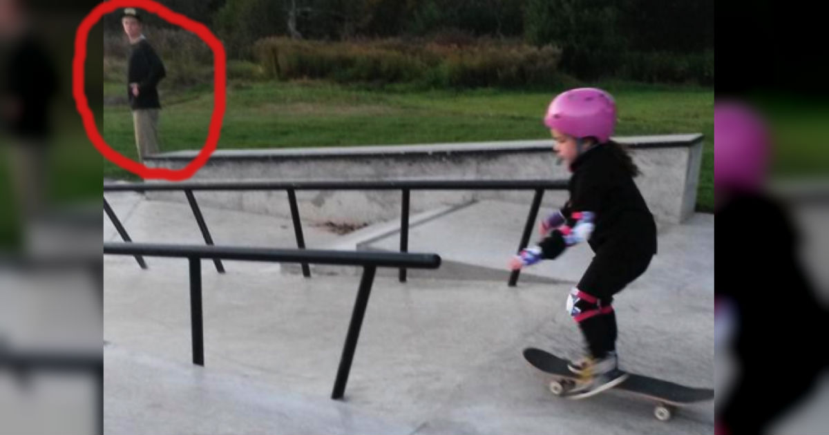 Teen Boy Unexpectedly Helps Little Girl At Skate Park