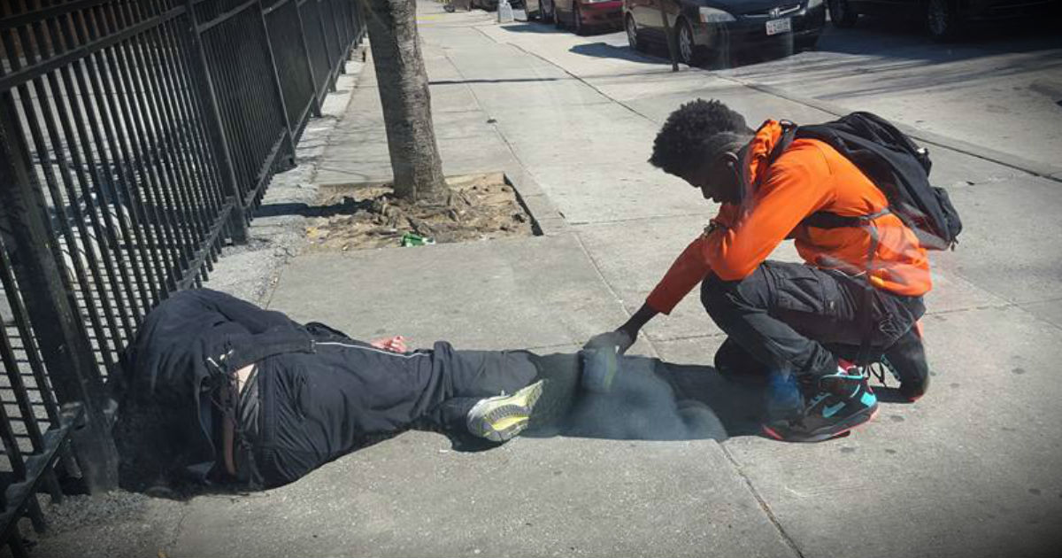 An Officer Catches This Teen Praying Over A Homeless Man