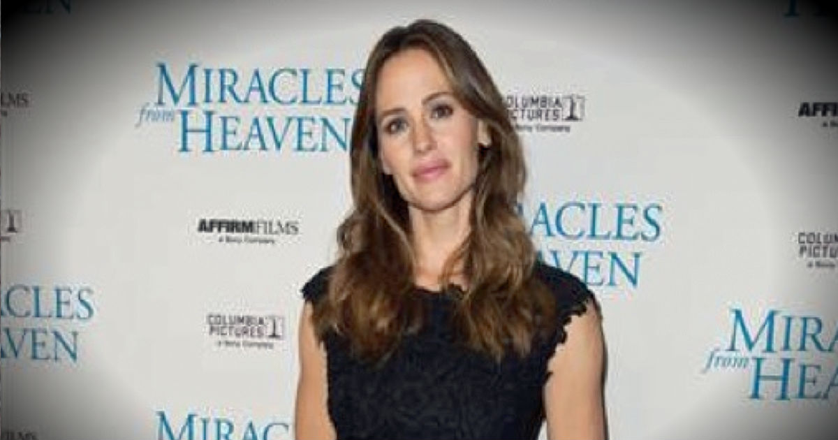 Actress Jennifer Garner Is Back In Church After 'Miracles From Heaven'