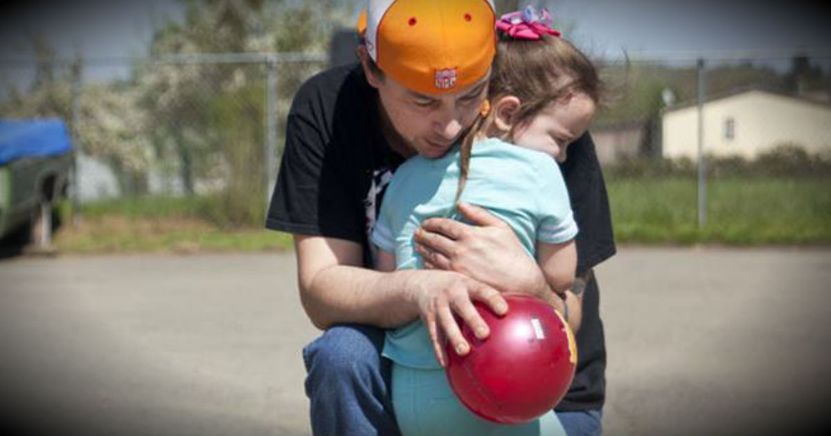 Dad Reunited With 5-Year-Old Daughter After 2 Year Search