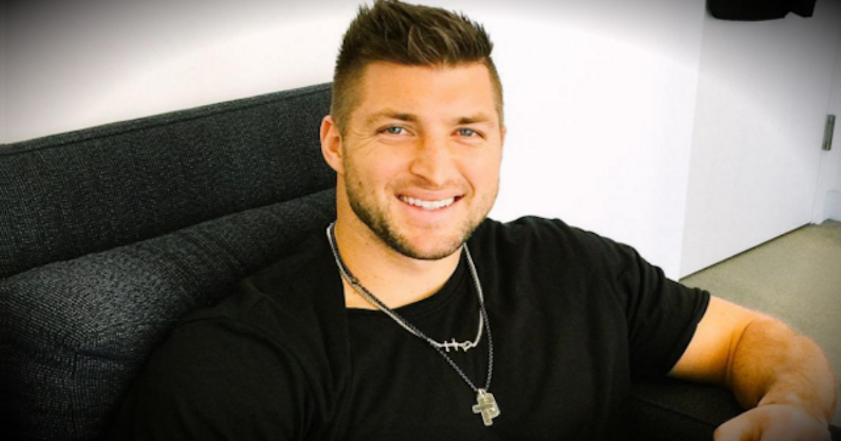 Football Star Tim Tebow Visits Friend Injured In Orlando Shooting