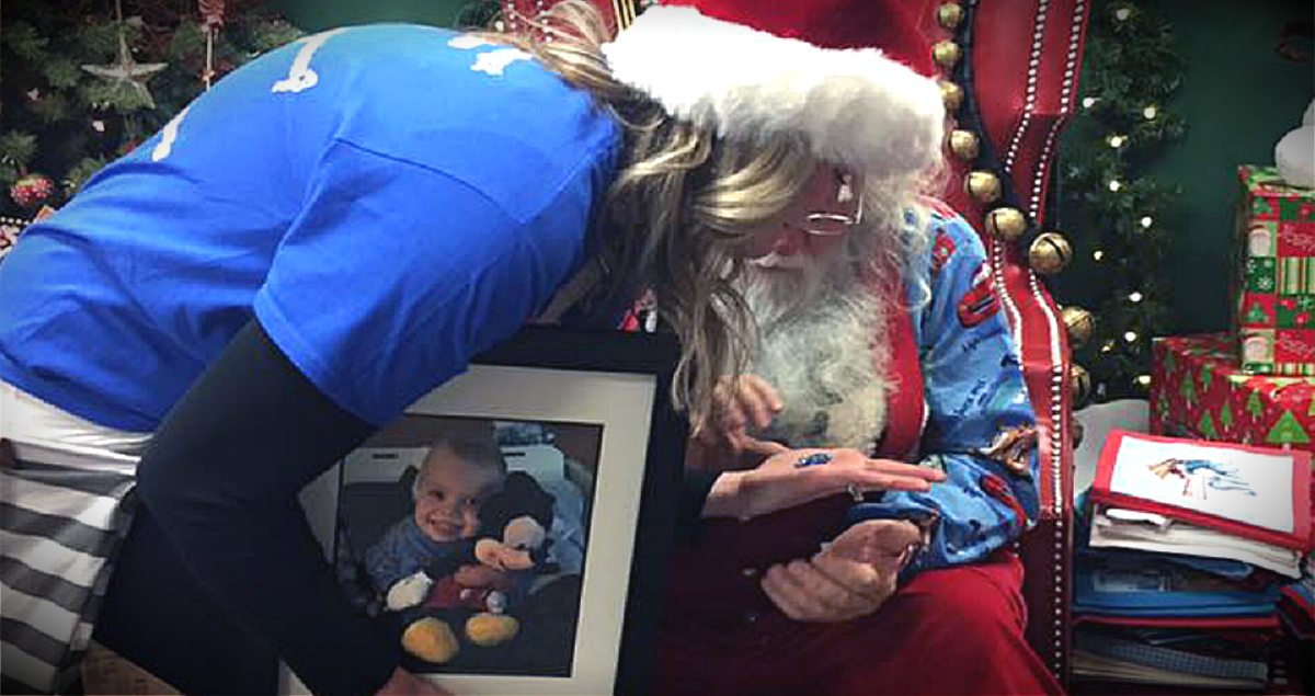 Grieving Mom Received A Special Gift From Santa At A Toy Store