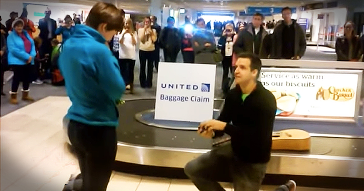 Man With Guitar Plans Sweet Proposal To His Girlfriend At The Airport