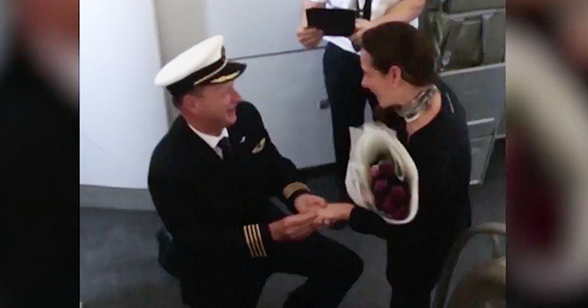 Pilot Epically Proposes To Girlfriend During Flight Announcement