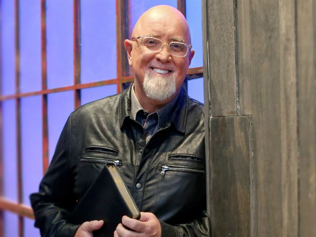 listen to dr james macdonald walk in the word radio online